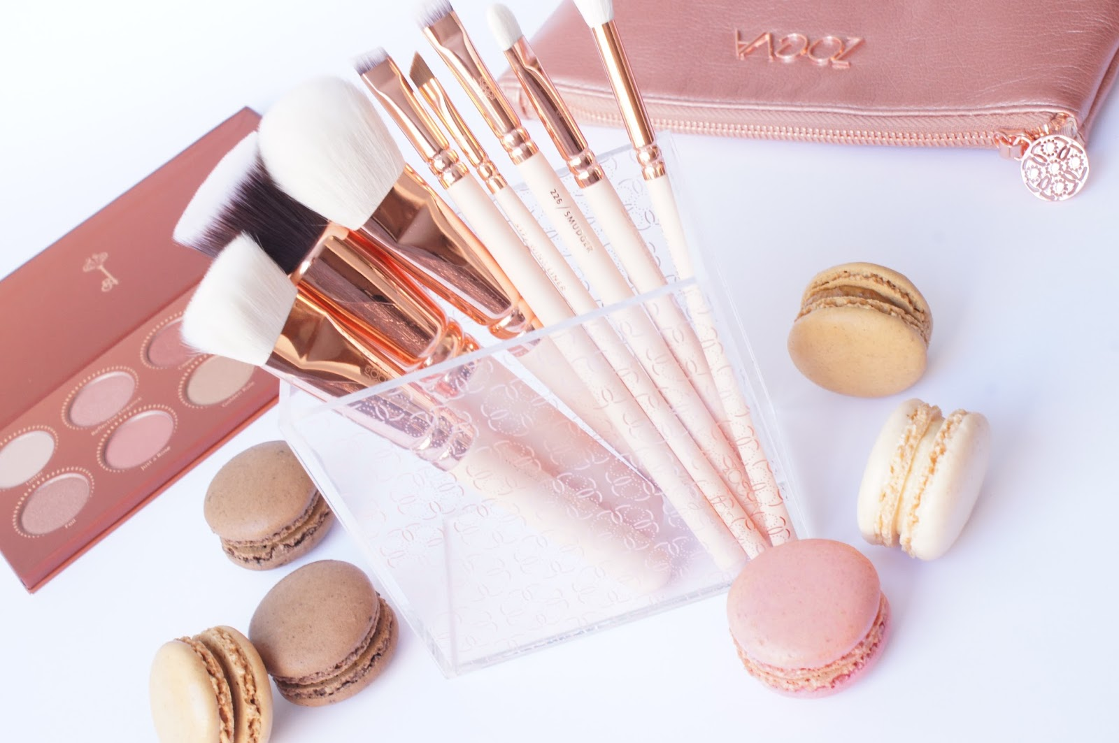 Ajda 39 s beauty zoeva rose golden vol 2 collection - Pinceaux de maquillage pas cher ...