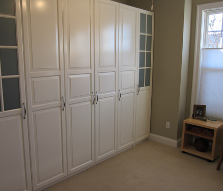 Jerrys projects murphy bed with ikea cabinets to build our own cabinets we turned first to ikea furniture the quality is very good relatively inexpensive and there are many accessories to choose solutioingenieria Gallery