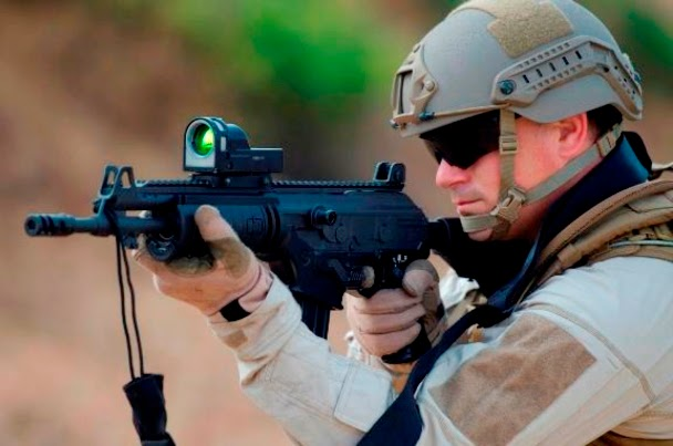 http://www.defensa.com/index.php?option=com_content&view=article&id=15336:famae-completara-hacia-finales-de-2016-la-entrega-del-prime-lote-de-20000-fusiles-de-asalto-galil-ace-para-el-ejercito-de-chile&catid=208:laad-2015&Itemid=18