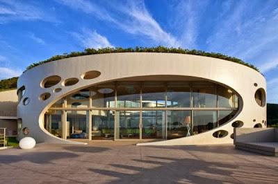 12 Inspirasi Rumah Dengan Green Roof 5