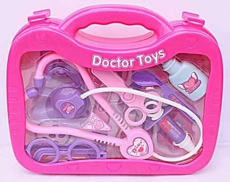 Kado ulang tahun berupa set permainan dokter untuk anak perempuan.