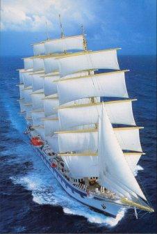 Gambar Kapal Layar Clipper di laut