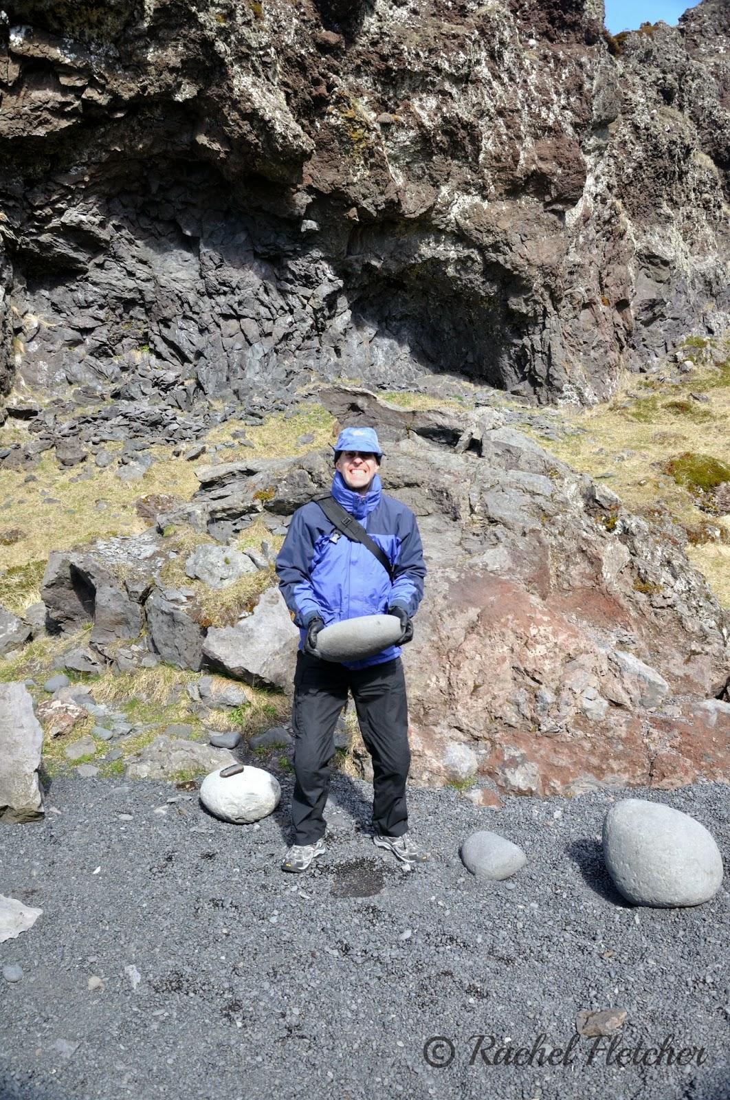 Djúpalónssandur lifting stones