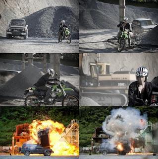 'City Conquest' Kim Hyun Joong dengan motor