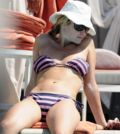Amanda Holden Bikini Hot Girls Wallpaper
