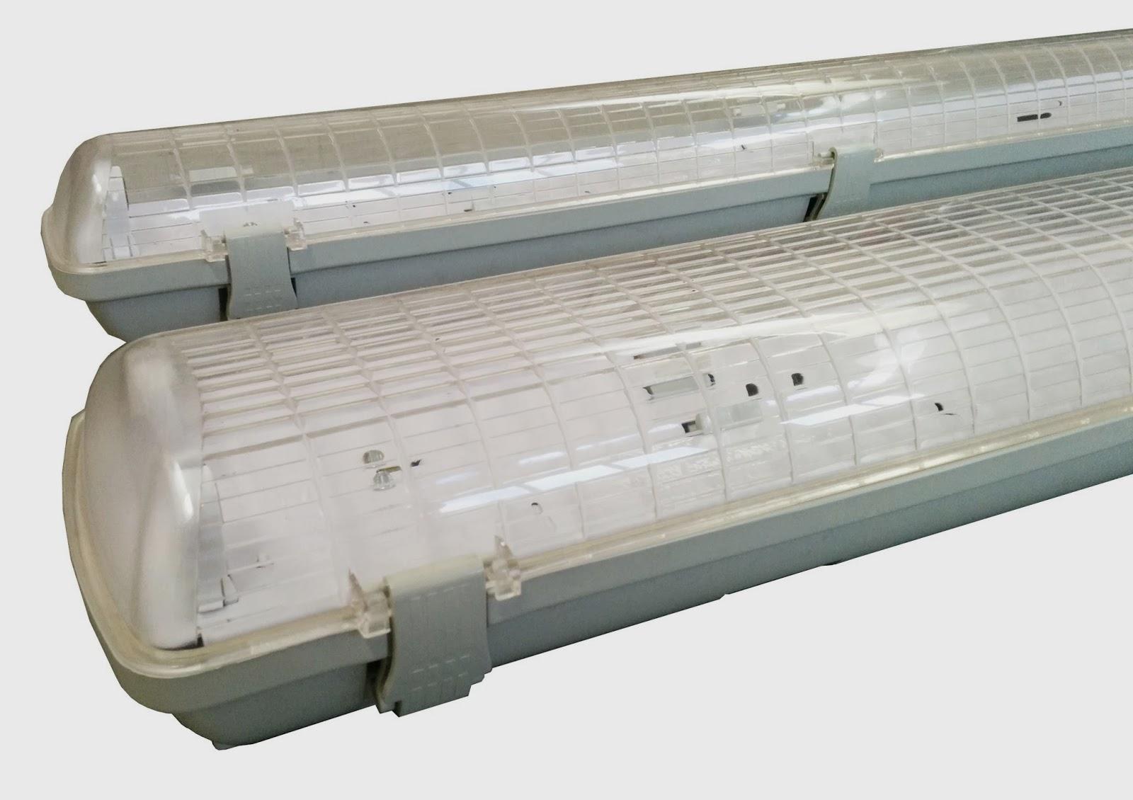 Plafoniere Per Tubi Neon : Illuminazione led plafoniere stagne tubolari per tubi t