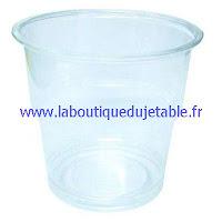 Gobelet en plastique transparent utilisé pour le dessert
