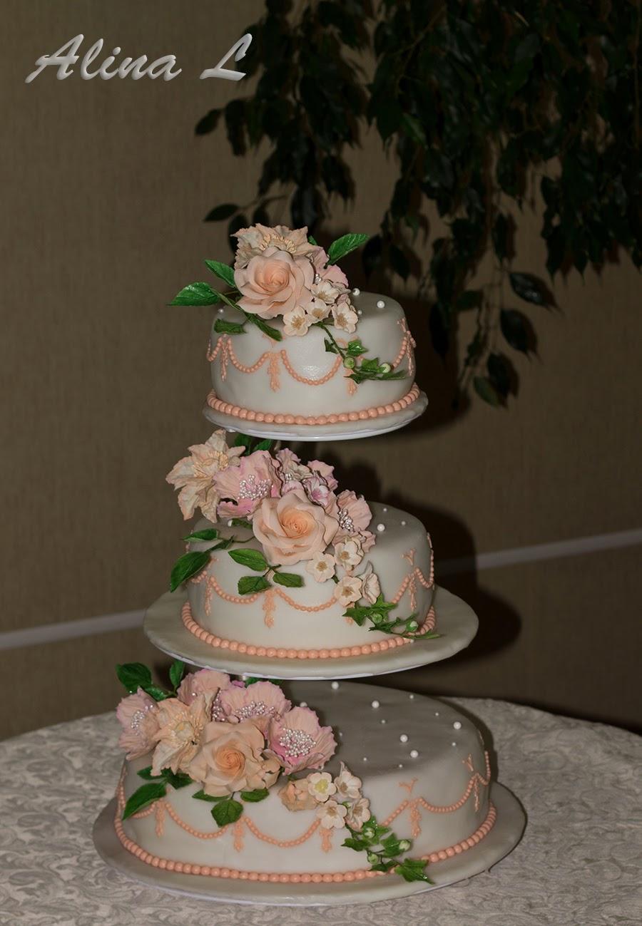 Торт на свадьбу персикового цвета фото
