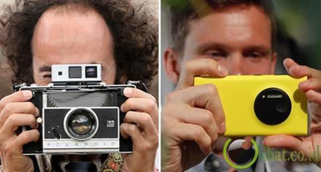 Dulu: kamera film - Sekarang: kamera digital, ponsel seluler