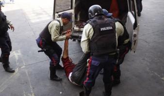 POLICIAS DE SOTILLO EJECUTAN HIJO DEFENSOR DDHH