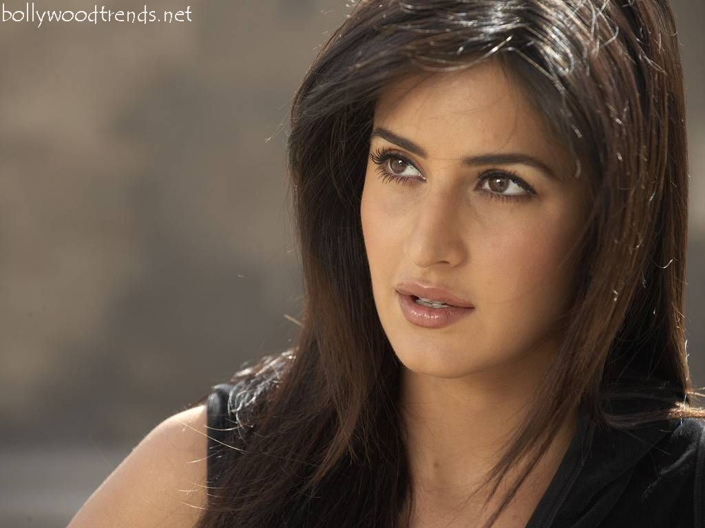 the most beautiful woman in india is katrina kaif with 16 percent