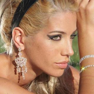 Perfil de Yanina Filocamo mostrando sus joyas