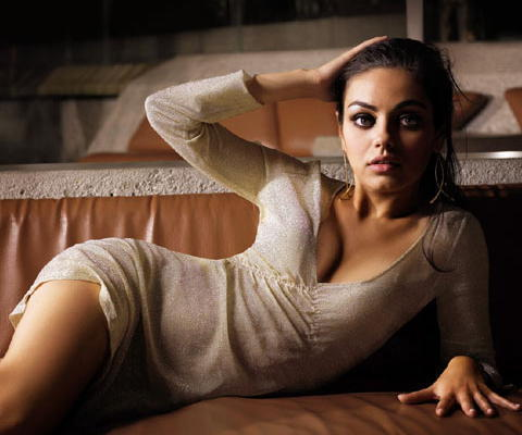 Mila Kunis Photos Wallpaper