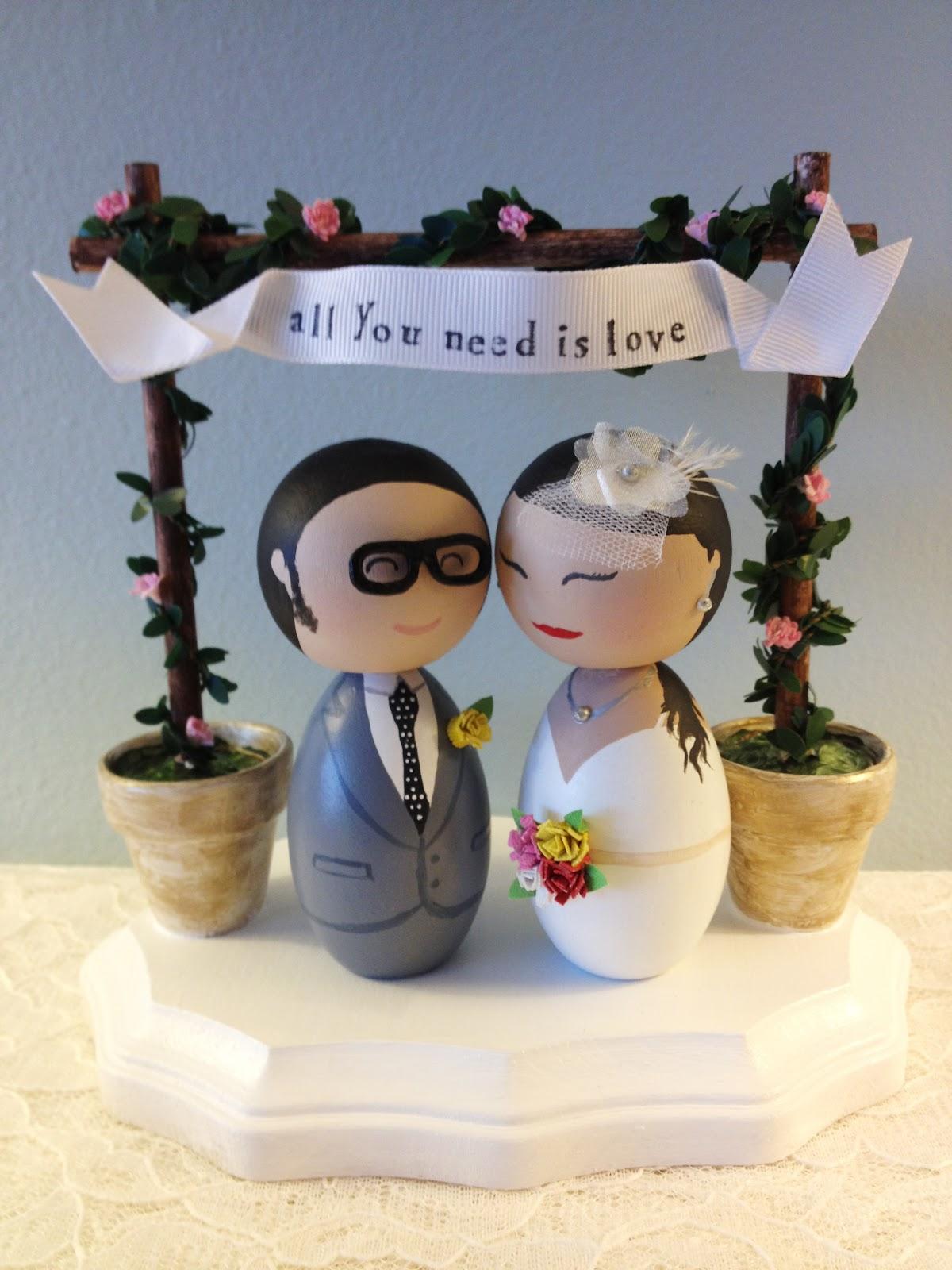 DSMeeBee Hipster Bride and Groom Wedding Cake Toppers