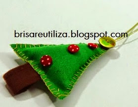 http://brisareutiliza.blogspot.com.es/2014/11/adorno-navideno-reciclaje-de-tela.html
