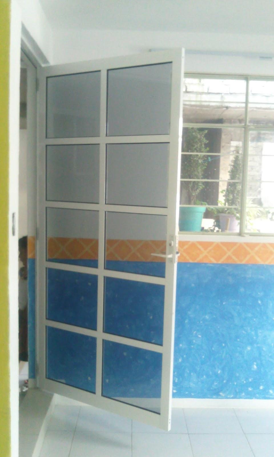 Puertas De Aluminio Blanco Para Baño:Puerta aluminio blanco con cristal claro filtrasol a cuadros con