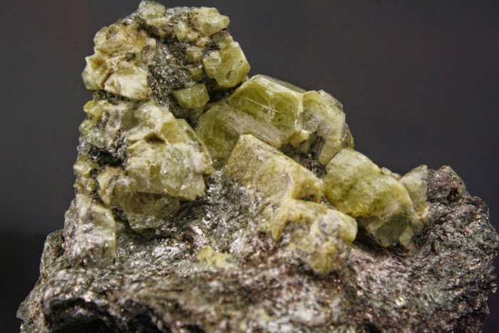 geschichte der geologie ber die eigenschaften der mineralien. Black Bedroom Furniture Sets. Home Design Ideas