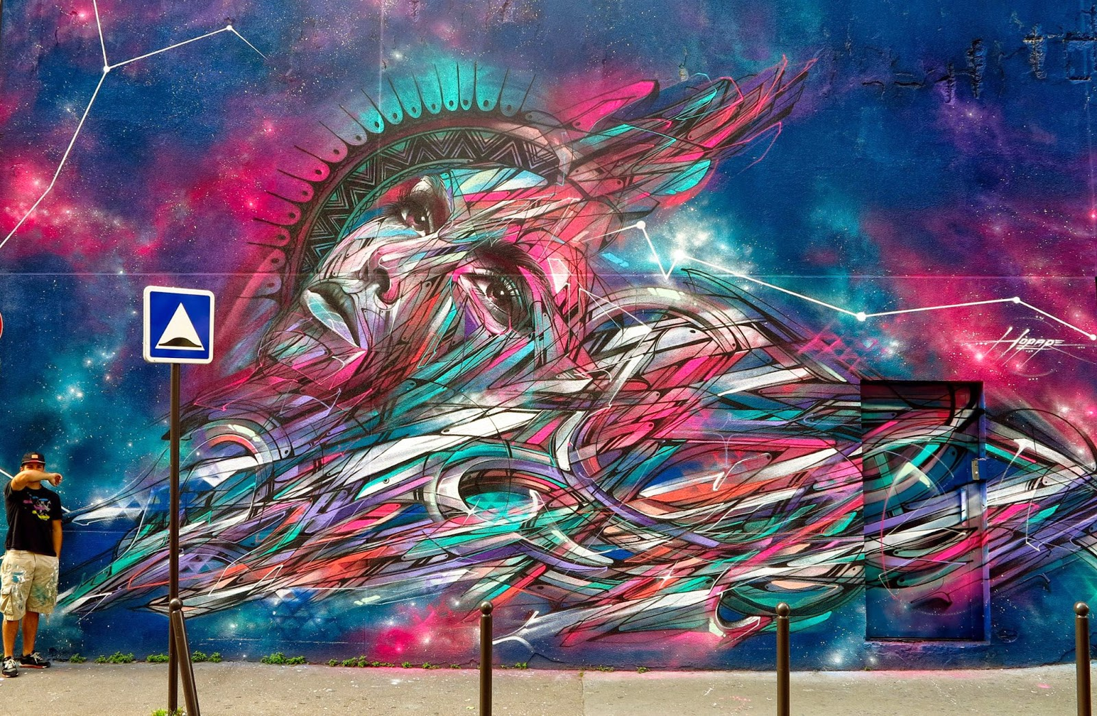 Our friend Hopare spent the last few days working on this brilliant new piece in the 20th district of Paris in France.
