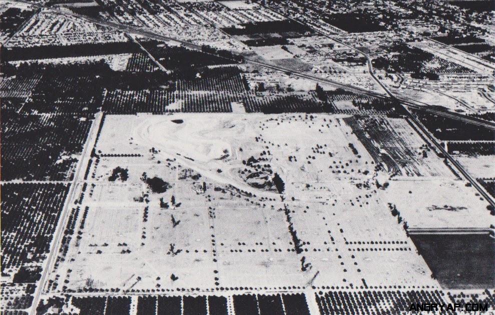 Rare Disneyland Construction Photos From 1954 To 1959