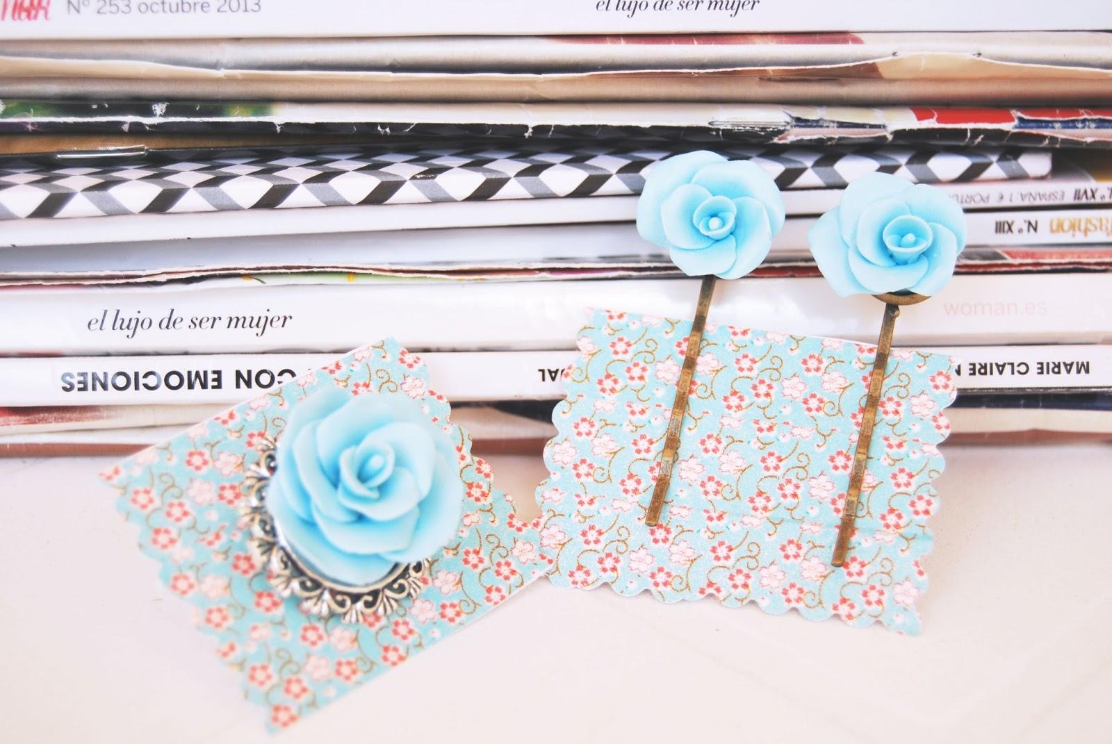 rosas y horquillas azul