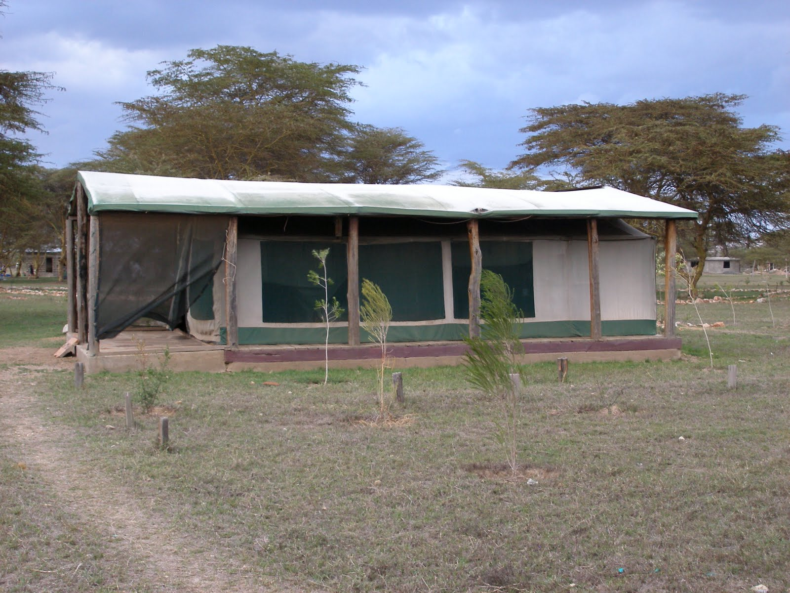 The pocahontas files kenya 2011 from mountain to mara for Permanent tent cabins