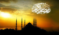 """1-Cabir(r.a)dan; dedi ki: """"Rasulullah(s.a.v) Mekke'nin fethedildiği senenin Ramazan ayında yola çıktı """"Kürraül Ğamim"""" denilen mahalleye varıncaya kadar oruç tuttu.Beraberinde bulunanlar da oruçluydular.Sonra bir tas su istedi ve herkesin göreceği şekilde tası havaya kaldırarak içti. Sonra Rasulullah'a """"Siz orucu bozduğunuz halde birtakım kimseler henüz oruç tutuyorlar."""" dendi. Rasulullah :""""Onlar asidirler, onlar asidirler"""" buyurdu."""