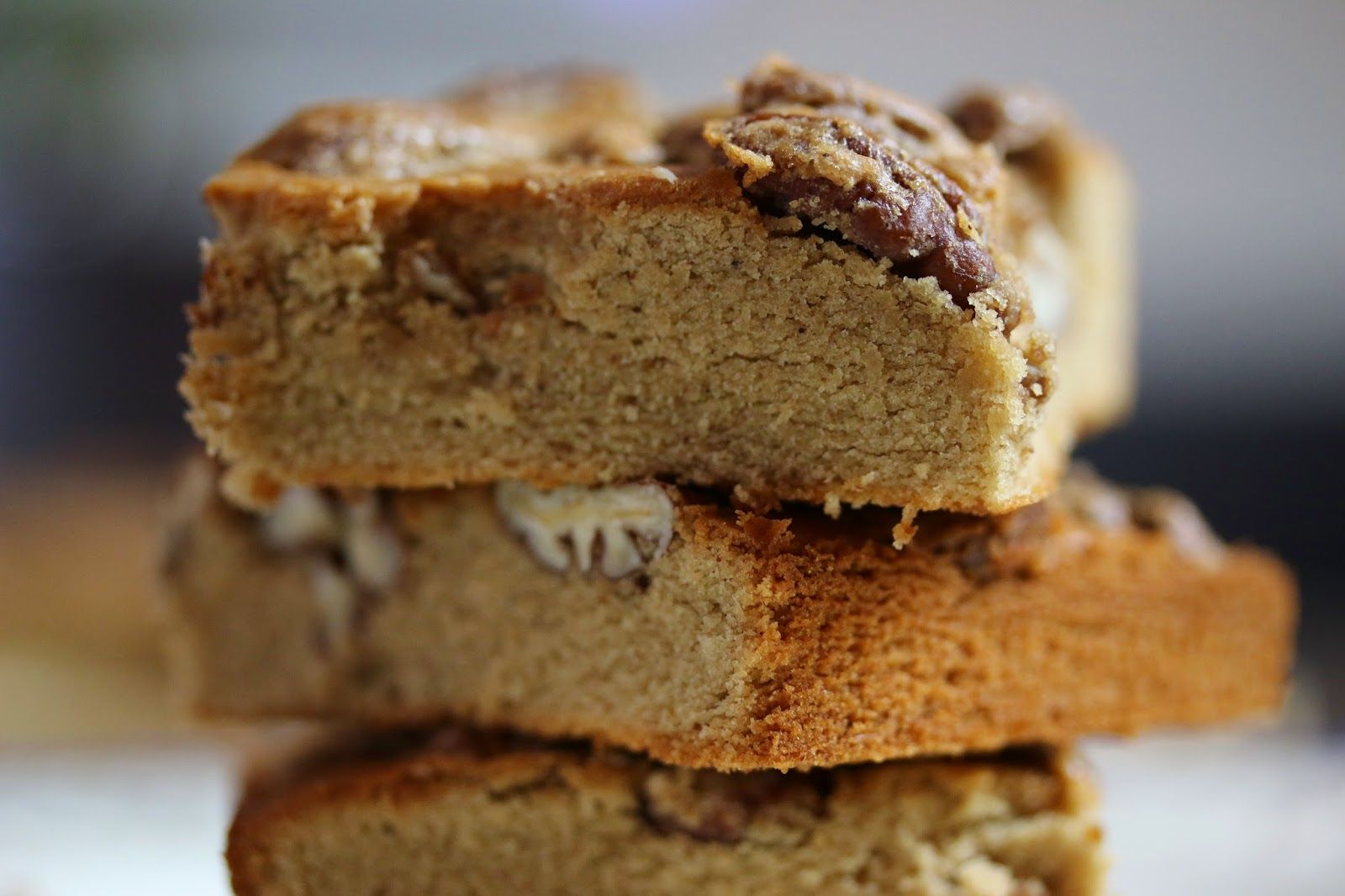 Gluten Free Cinnamon Spice Blondies With Blondie Batter Pecans