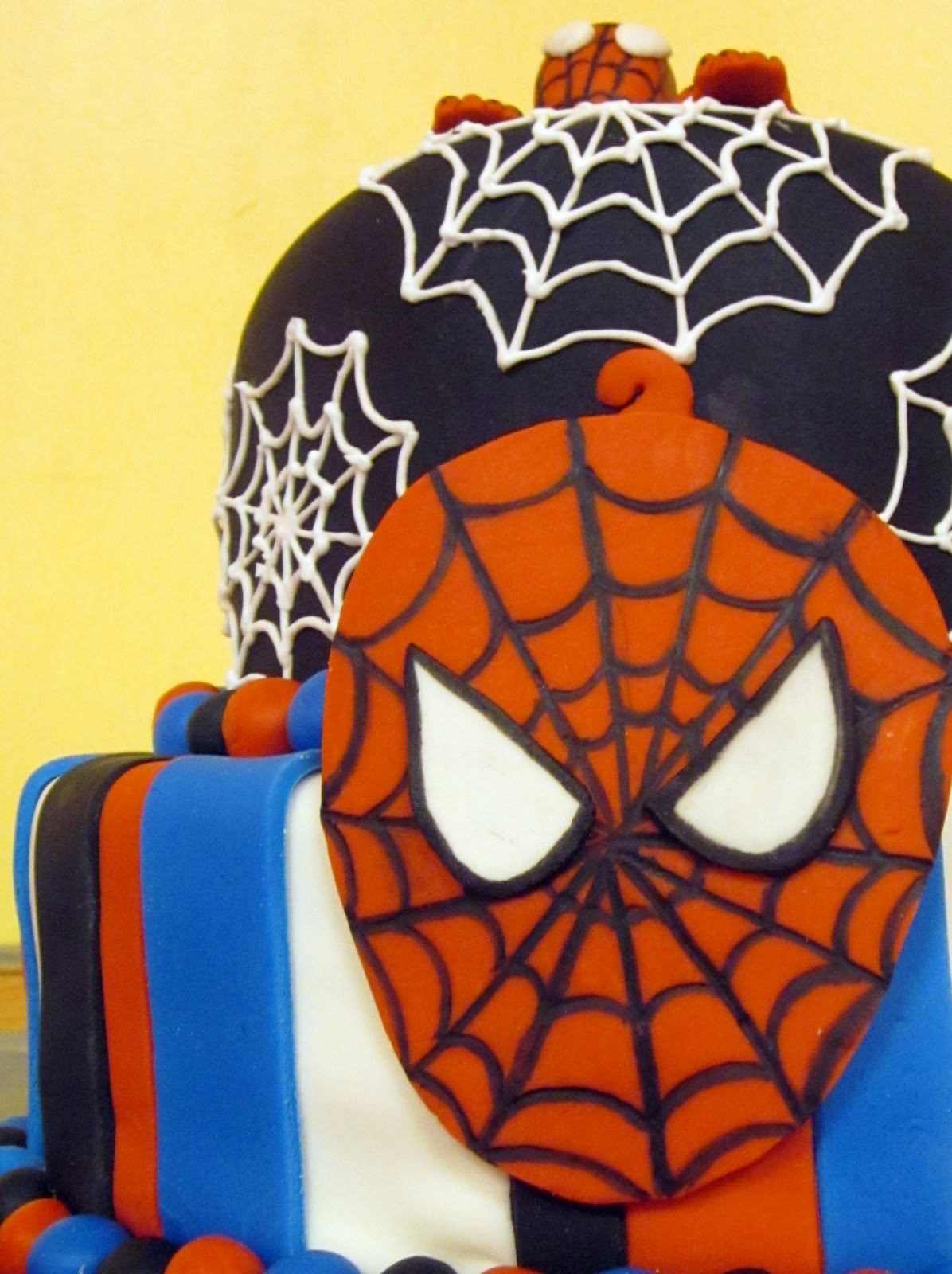 Darlin  Designs: Spiderman Birthday Cake