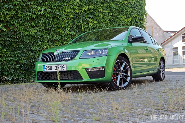 Skoda Octavia RS Front (LED)
