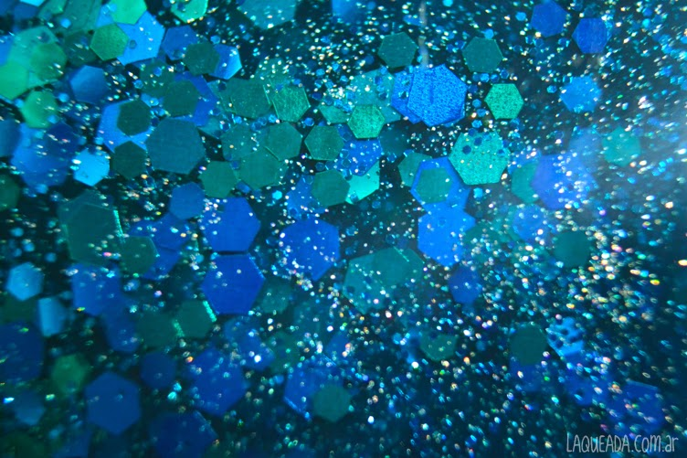 Macro Gloss 'n Sparkle - Edge of the World