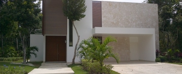 Fachadas minimalistas fachada de casa minimalista de lujo en cancun - Casas minimalistas de lujo ...