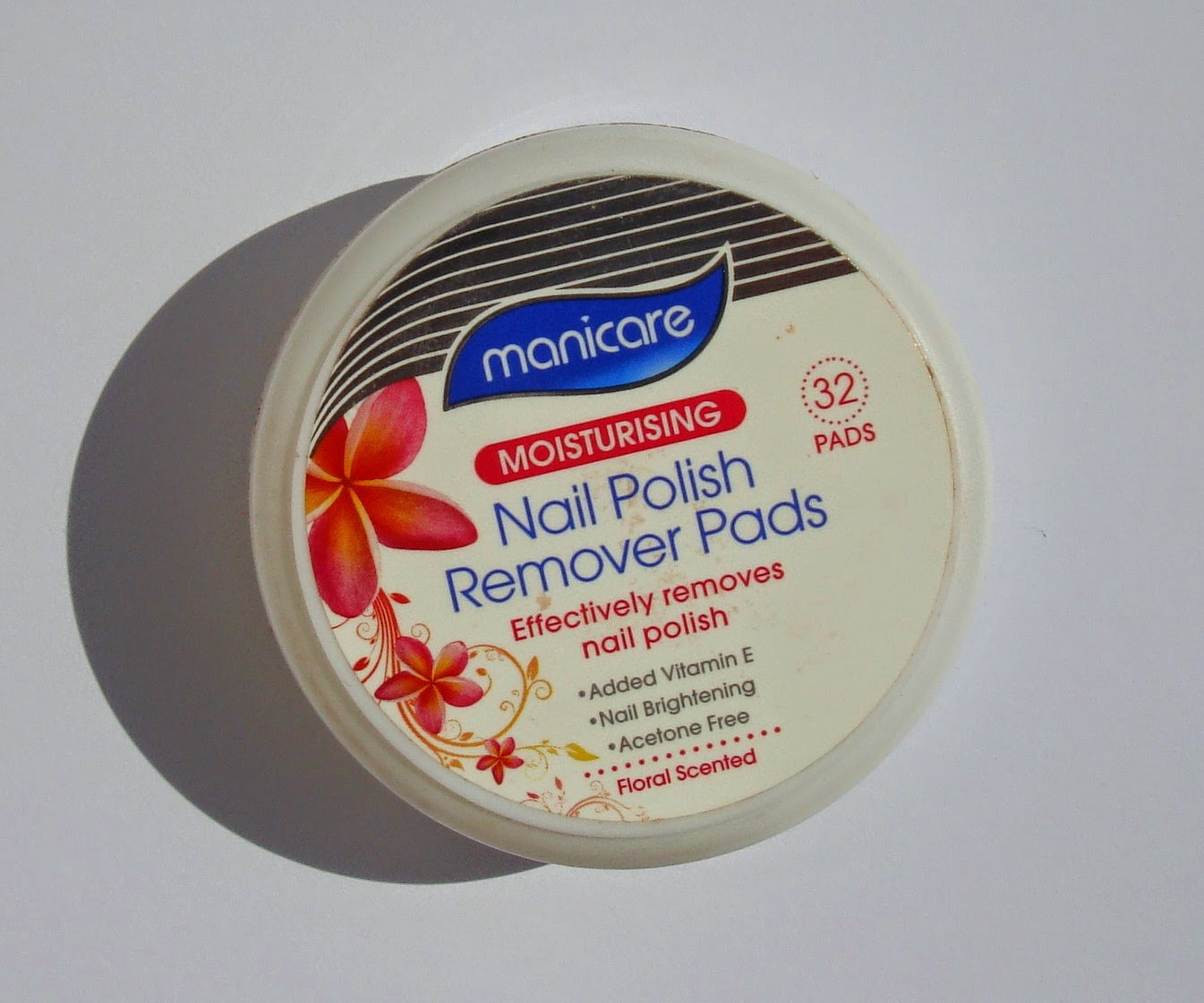 little white truths: Manicare Nail Polish Remover Pads - review