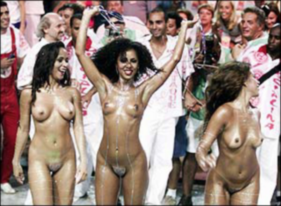 WATCH: Topless Brazilian dancers thrill crowds at the