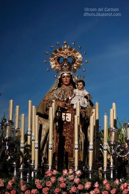 Virgen del Carmen de Prado del Rey (Cádiz) por las calles en Semana Santa