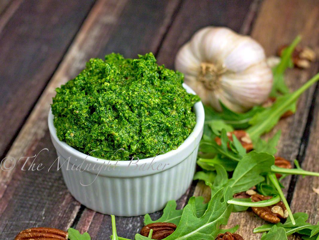 Arugula Pesto | bakeatmidnite.com | #pesto #arugula #recipe