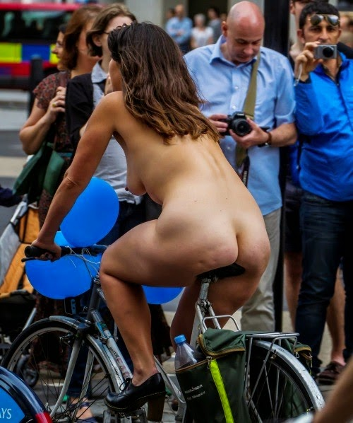 nude girls in public