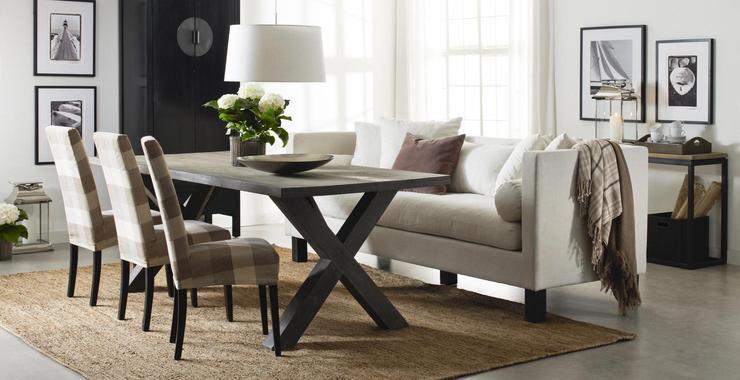 Inspira interiør: høy sofa til spisestue.
