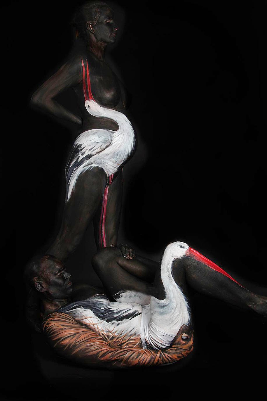Lukisan Tubuh Manusia Merubah Orang Menjadi ANGSA