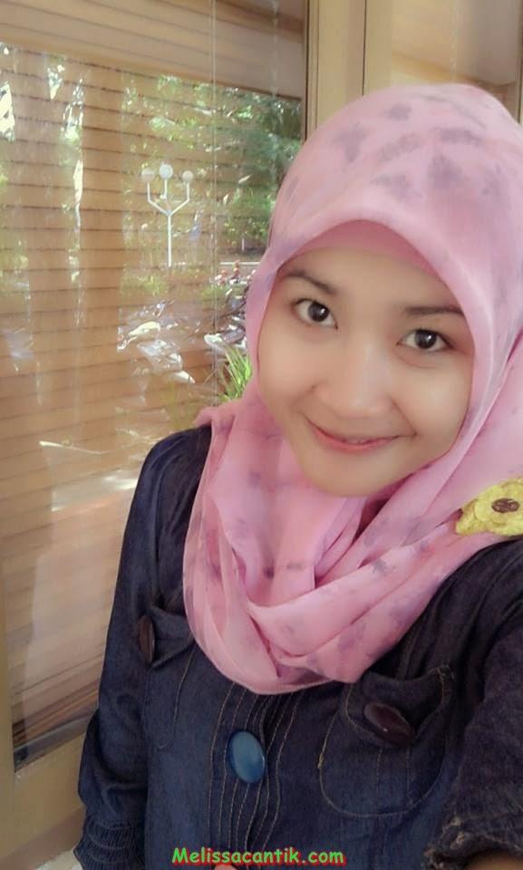 Foto Perawat Cantik Imut Berjilbab Pink (Hot Pic) .
