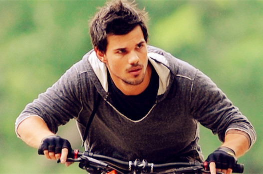 Tracers Movie Film 2015 - Sinopsis (Taylor Lautner, Marie Avgeropoulos)