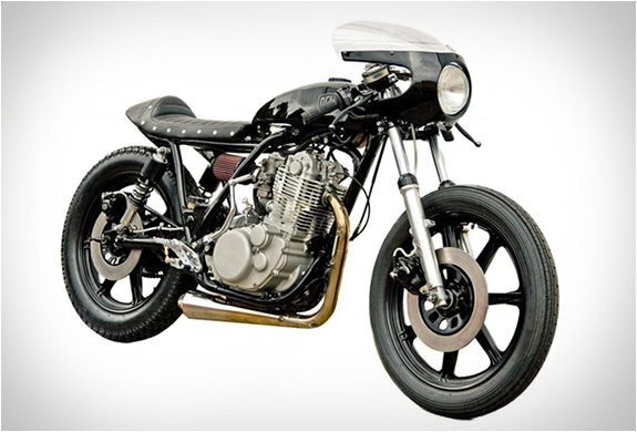 GRIEVOUS ANGEL-YAMAHA SR 400-Custom-Motorcycle-hydro-carbons.blogspot.com-DEUS-CUSTOMS-cafe-racer