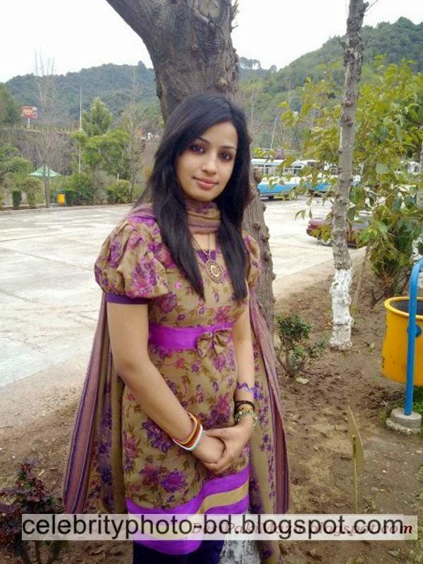 Beautiful%2BPakistani%2BYoung%2BGirl%2BSidra's%2BUnseen%2BFull%2BHD%2BPhotos%2BAlbum002