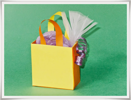 Minipapperspåse som presentförpackning