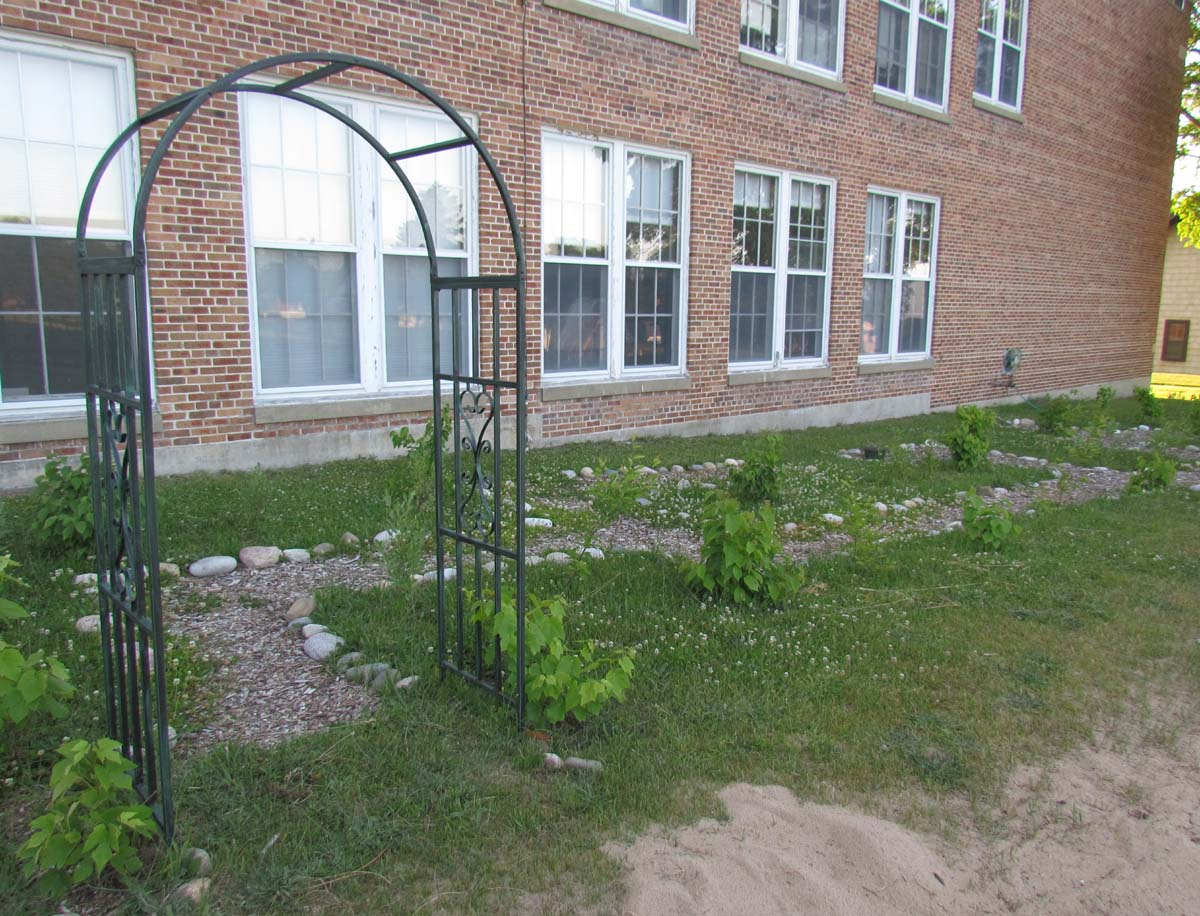 The Agatelady: Adventures and Events: Grand Marais School Garden and ...
