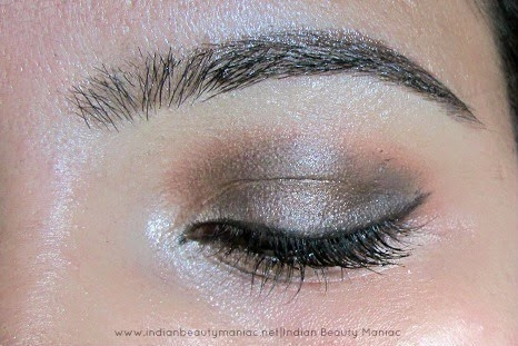 Sleek Brow Kit in Dark, Sleek Brow Kit review, Brow Kits in India, Brow Wax, Setting powder, Best Brow wax in India, Eye Brow Grooming for thick brows, How to groom thick brows, Brow wax for medium skin, Indian Beauty Blogger, Indian Makeup Blogger, Eye Brows