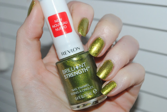 revlon+brilliant+strength+nail+polish+tantalize+120+swatch
