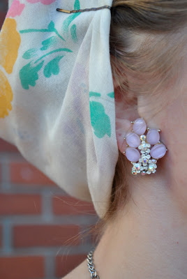 Flashback Summer- 1940s casual outfit, rosie the riveter headscarf and 1950s earrings