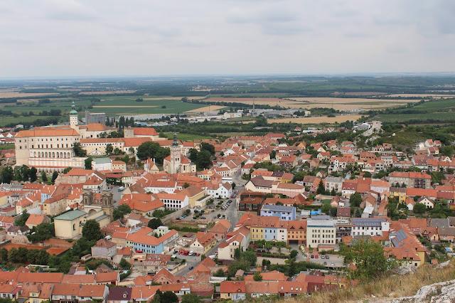 """výhled na Mikulov ze Svatého kopečku // a view of Mikulov from """"Svaty kopecek"""""""