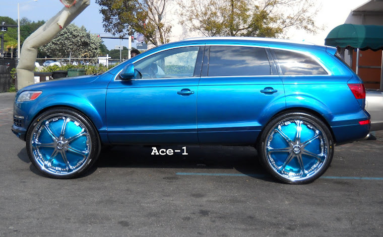 "2010 Audi Q7 Truck on 30"" Dub Stallion Floaters Candy Teal"