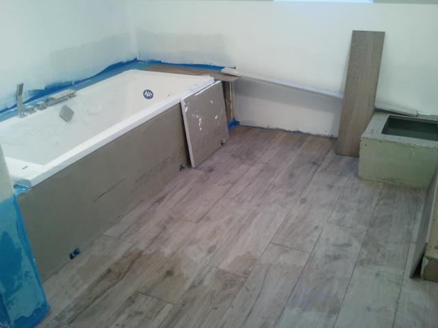 Bricolage de l 39 id e la r alisation salle de bain zen for Pose carrelage double encollage